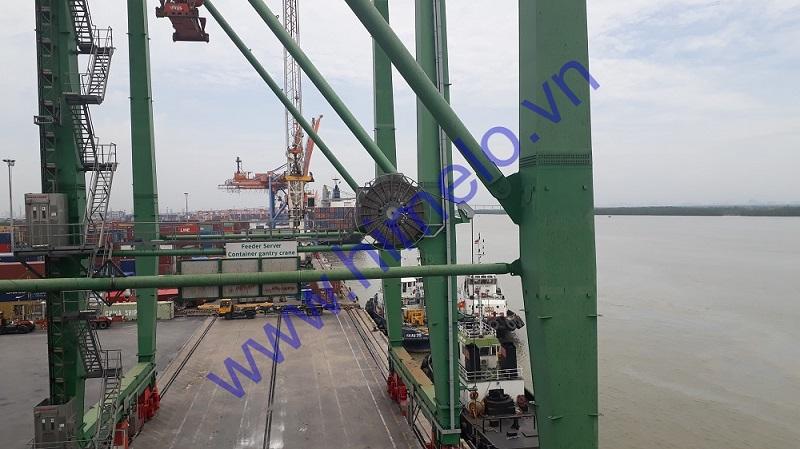 Himelo - Thay thế lắp đặt hộp cổ góp cần trục giàn QC cho cảng tàu ở Hải Phòng